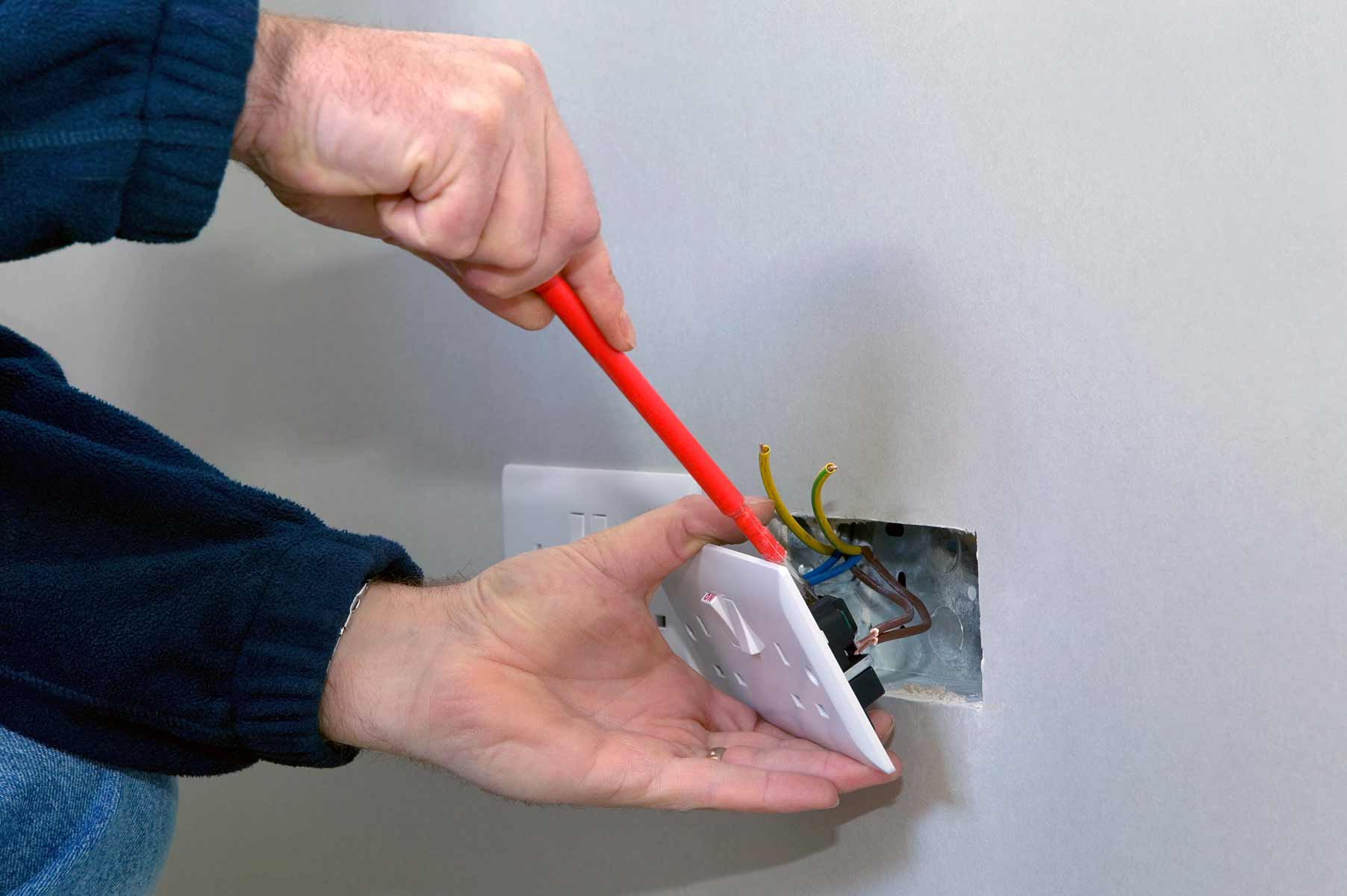 Our electricians can install plug sockets for domestic and commercial proeprties in Stamford Hill and the local area.